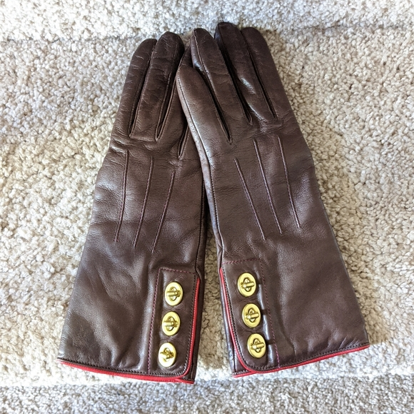 NWT Coach leather Turnlock gloves, sz 6.5